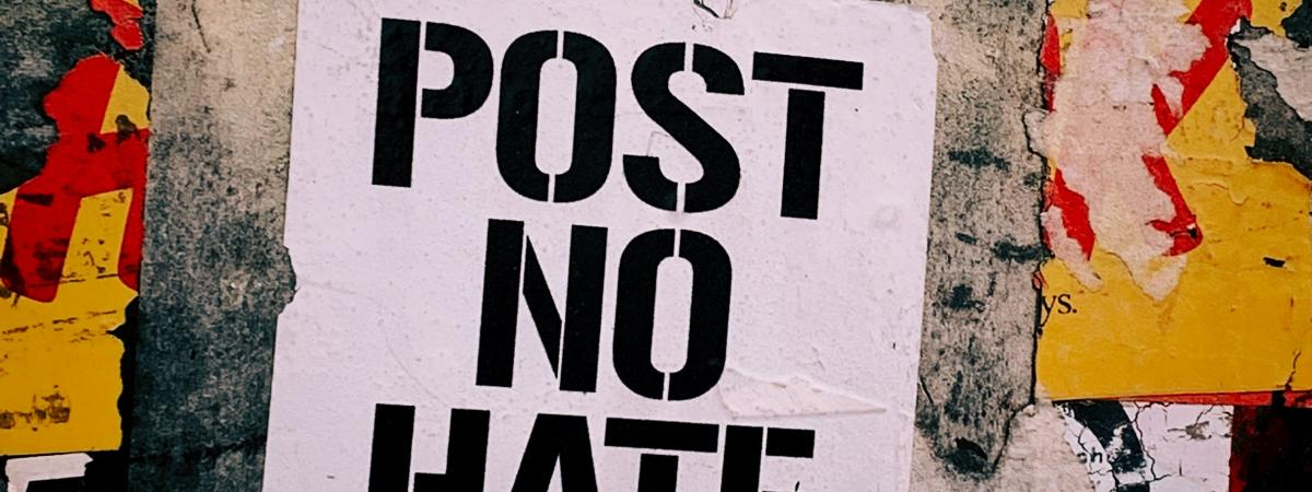 "Poster/graffiti with ""Post no Hate"""